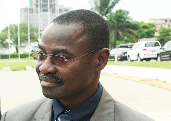 Pr. Moustafa Mijiyawa ministre de la Santé bon 565x400 - Togo/ Sept centres de santé modernisés et équipés par l'UE à hauteur de 575 millions FCFA