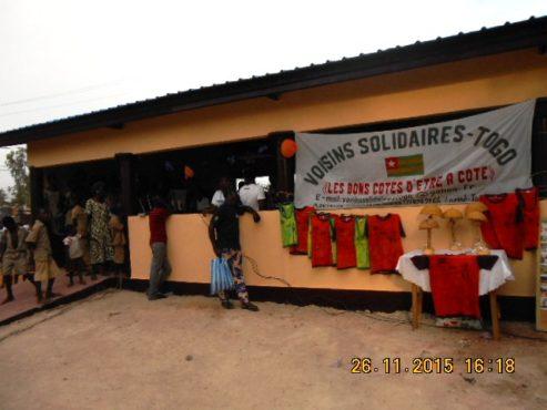"Hangar USP Ségbébon 493x370 - L'association ""Voisins solidaires-Togo"" et ses partenaires dotent l'USP Ségbé d'un hangar"