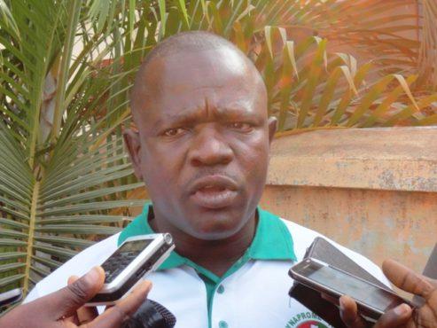 Syndicat collecteurs dordures ménagères 493x370 - SYNAPROME-Togo, le syndicat des collecteurs d'ordures ménagères est né!