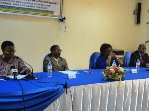 Statut entreprenant 493x370 - Vers la mise en en œuvre du statut de l'entreprenant au Togo