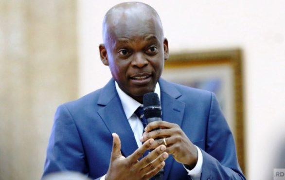 Robert Dussey bon 586x370 - Sécurité maritime/ Robert Dussey : « Si la conférence de Lomé n'accouche pas d'une charte, ce sera un échec! »
