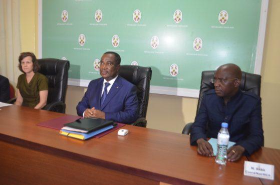 Klassou et délégation MCC 559x370 - Programme Threshold : seconde mission du MCC au Togo