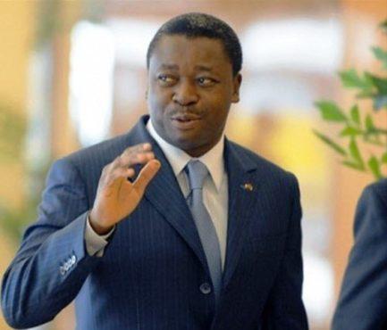 Faure bon 1 433x370 - Faure Gnassingbé à Abidjan pour  un sommet extraordinaire de l'UEMOA