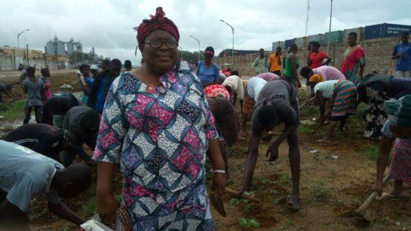 Mme Gbassakpo Biova bon 600x337 - Opération de nettoyage des grandes  artères de Lomé  / Mme Gbassakpo Biova, présidente CDQ  Adakpamé-Adjrométy : « Nous appelons de tous nos vœux, la pérennisation de cette opération! »