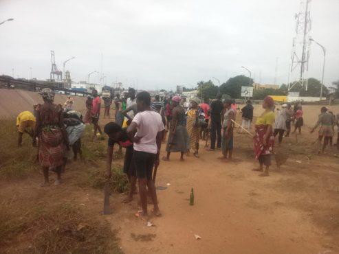 Lomé propre ANADEB 493x370 - Opération Lomé propre : la défécation dans les terre-pleins centraux rend le travail difficile dans la zone portuaire