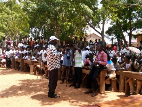 IMG 20180523 WA0022 493x370 - ''School Assur'': les élèves du lycée d'Agoè-Nyivé Centre sensibilisés sur le programme