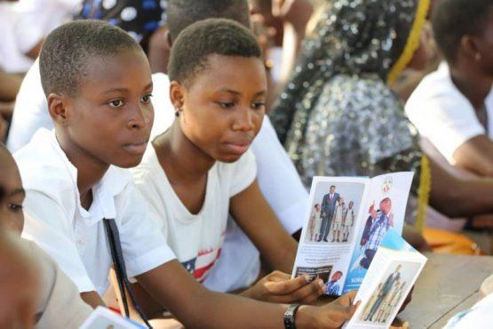 Scholl Assur Tchaoudjo 555x370 - La bonne nouvelle de ''School Assur'' atteint les élèves de la préfecture de Tchaoudjo