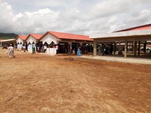 IMG 20180714 WA0035 493x370 - Faure Gnassingbé sur le site du marché préfectoral de Bafilo en construction