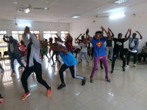 club danse 493x370 - Maison des jeunes de Lomé :   un programme d'activités alléchant sur deux semaines