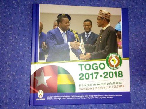 bilan présidence en exercice CEDEAO bon 493x370 - Un livre immortalise le passage du Togo à la tête de la CEDEAO entre 2017 et 2018