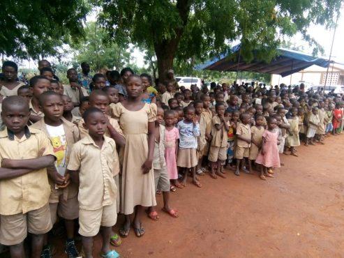 journée alimentation scolaire à Gboto Klohomé 493x370 - L'ANADEB célèbre la 4è édition de la journée africaine de l'alimentation scolaire à Gboto-Klohomé