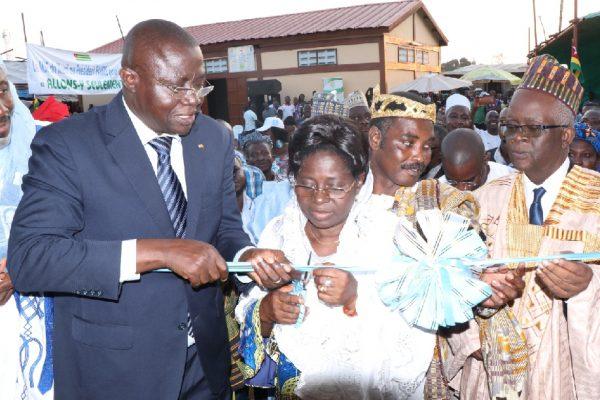 Inauguration Haoussa zongo 600x400 - PUDC / Dans la préfecture d'Agoè-Nyivé : Haoussa Zongo, Vakpossito, Démakpoè et Akoin dotés d'infrastructures socioéconomiques de base