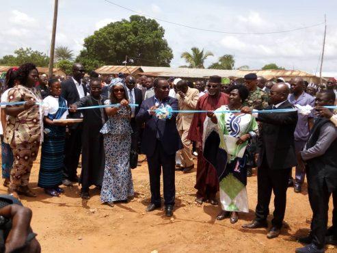 Inauguration ouvrages Bassar 493x370 - PAPV : plusieurs ouvrages socio-collectifs inaugurés à  Bassar et à Tchamba