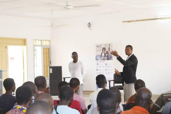 IMG 20191125 WA0070 600x400 - Entrepreneuriat des jeunes : le FAIEJ forme!