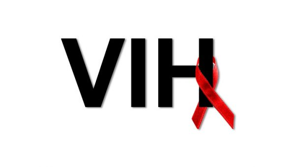 atencion integral a personas con vih 2 600x339 - Togo: VIH, tendance baissière du taux de prévalence entre 2010 et 2018