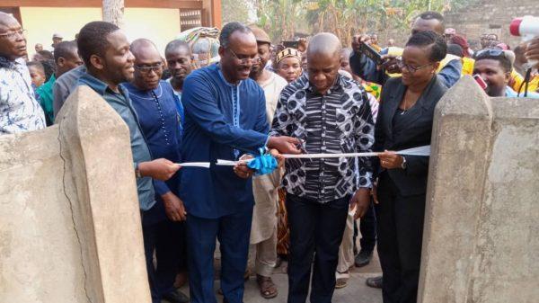 IMG 20200129 WA0026 600x337 - Togo/kloto: Kusuntu bénéficie d'un bloc de latrines et d'une pompe photovoltaïque