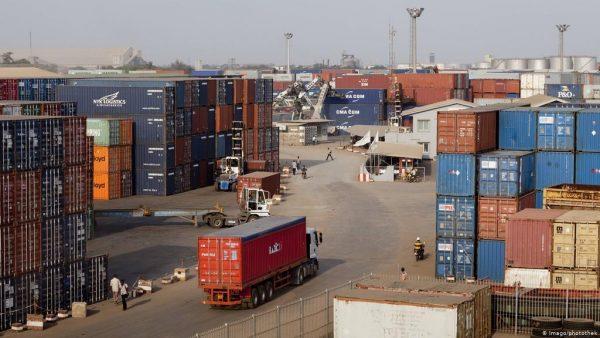 commerce tranfrontalier 600x338 - Commerce transfrontalier: le Togo supprime le Travail Extra Légal relatif aux frais d'escorte