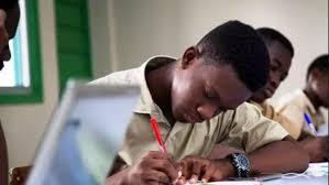 Retour à lécole - Togo/ Retour à l'école pour les élèves en classe d'examen le 08 juin