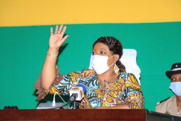 Yawa Tsegan pdte Assemblée nationale 600x400 - Togo/ Etat d'urgence sanitaire: 180 jours de plus!