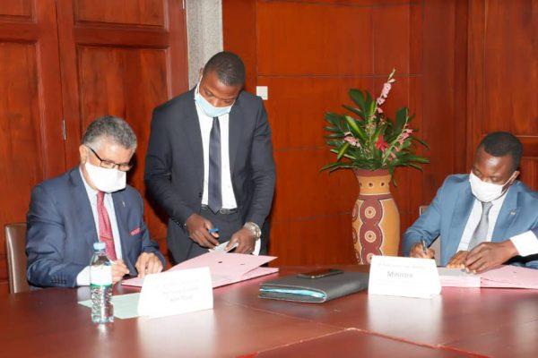 Protocole accord BOA CNP et gouv. 600x400 - Forum économique Togo-UE: la BOA va financer des projets sélectionnés