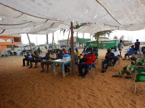 sensib pêcheurs2 493x370 - Togo: des acteurs de la pêche artisanale sensibilisés sur les mesures de sécurité en mer