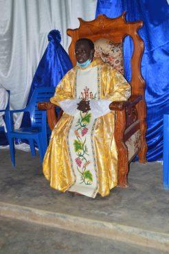 Cure de Kpedome Haho 246x370 - Togo/Religion: le Père Aimé Komlan AGBEMEBIA devient officiellement le curé de la paroisse Notre Dame de la Miséricorde de Kpédomé (Haho)