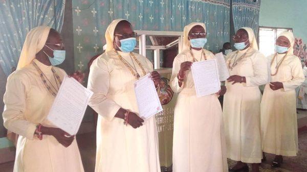 IMG 20201121 WA0077 600x337 - Togo/ Religion : vœux perpétuels et jubilé d'argent chez les Sœurs de Notre Dame de Nazareth de Notsé