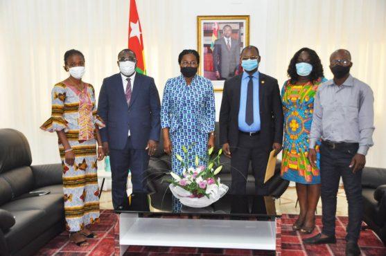 Societe civile primature 557x370 - Togo: la société civile prête à accompagner la politique du gouvernement Tomégah-Dogbé