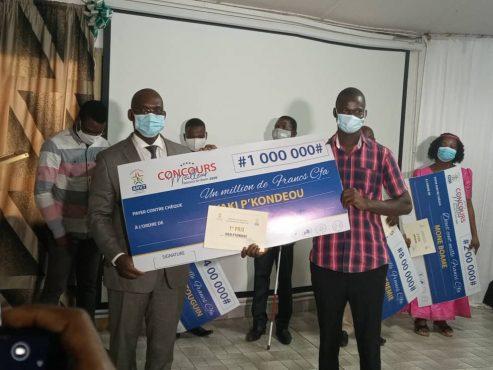 meilleur volontaire 2020 493x370 - Togo: l'ANVT prime les meilleurs volontaires de 2020