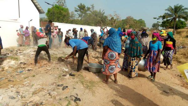 samedi propre 19 12 20 centrale 600x338 - Togo/''Samedi propre''du 19 décembre: 1802 hommes et femmes à l'assaut de l'insalubrité dans la région Centrale