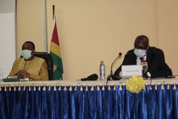Conf presse comite scientifique 600x400 - Togo/ Covid-19 : le Conseil scientifique rassure sur l'efficacité du vaccin