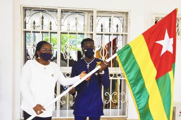 remise drapeua eperviers locaux 600x400 - CHAN 2021 : les Éperviers du Togo parés pour la compétition !