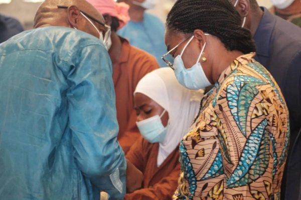 visite complexe cajou sokode 600x400 - Togo: le Premier Ministre visite une unité de transformation de la noix de cajou dans la préfecture de Tchaoudjo