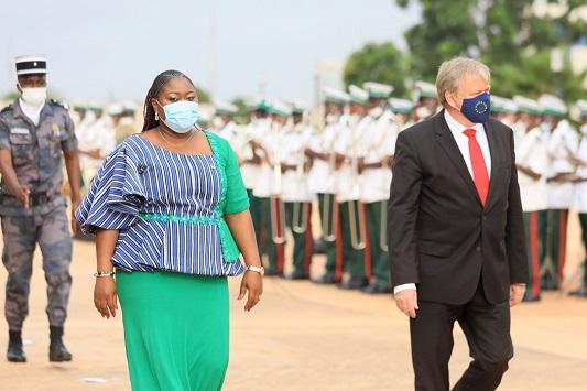 Ambasadeurs Sierr Leonne et Danemark - Togo/ Diplomatie: neuf nouveaux ambassadeurs présentent leurs lettres de créance à Faure Gnassingbé