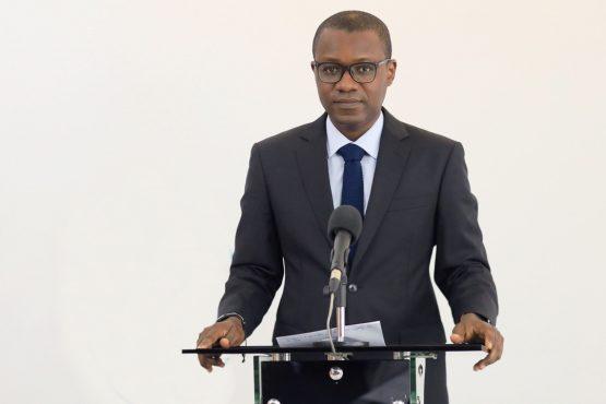 Prof. Akodah Ayewouadan 555x370 - Covid-19: pas de couvre-feu prévu à Lomé!