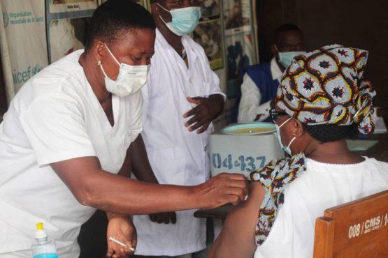 vaccination cms Agoe 1 555x370 - Togo/Vaccination anti-covid: l'enregistrement des personnes de 50 ans et plus, ou présentant des comorbidités, a démarré dans le Grand-Lomé