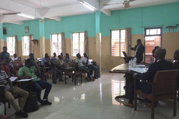 Conférence-débat TIC House (photo)