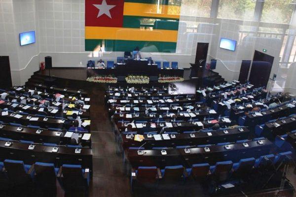 nouveau-parlement, bon